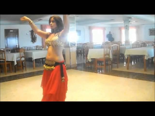 El beso. Danza Árabe con Mabiroc.