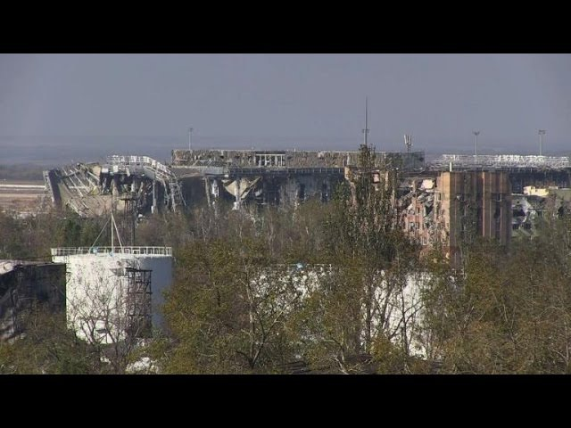 Shelling continues around Donetsk airport