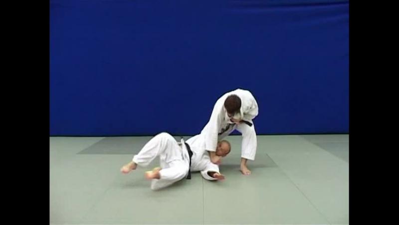 О-гурума — Бросок через ногу вперед скручиванием подвыставленную ногу