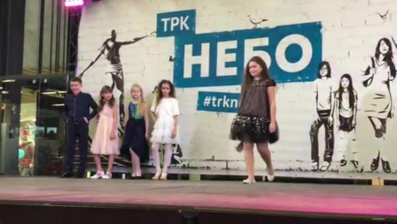 Наши девочки - красотки ♥️Показ MA PremierArtKIDS в ТРЦ Небо.