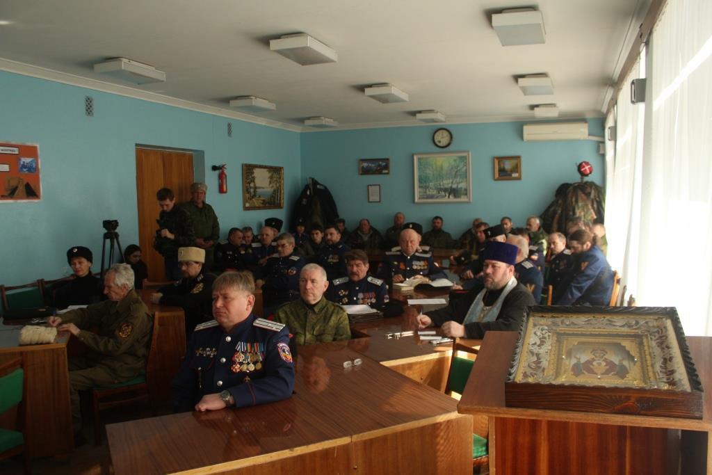 Атаманы Луганского округа передали советнику главы ЛНР предложения по развитию казачества