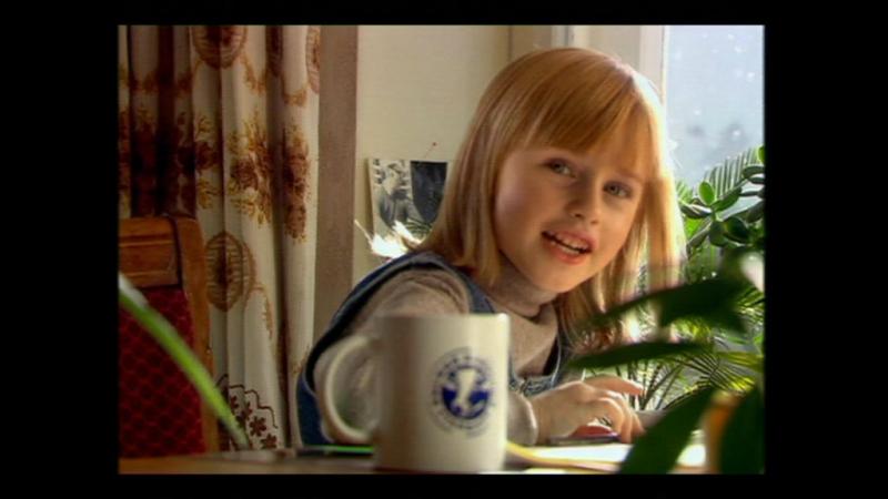 Реклама АМКА   Веселая девочка   2010