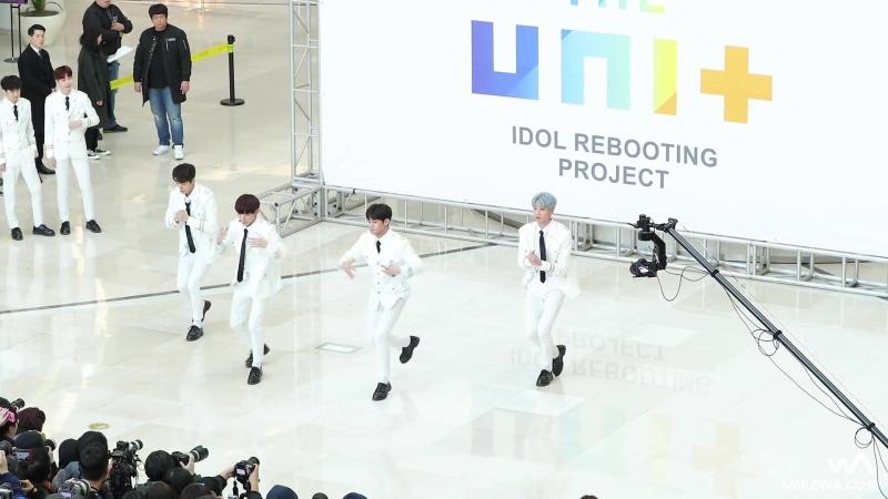 180211 더 유닛 (THE UNIT) 유닛B (남자) 메들리 4K 직캠 @타임스퀘어 게릴라 콘서트 4K Fancam by -wA-