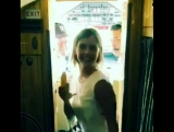 Эмма Уотсон в поздравительном видео для Такера Халперна (участника группы Sofi Tukker)
