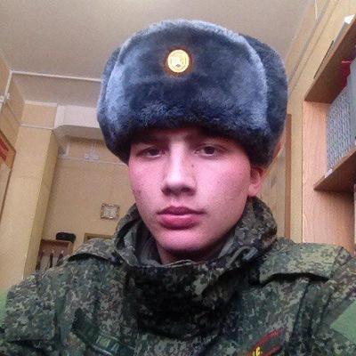 Денис Бутин