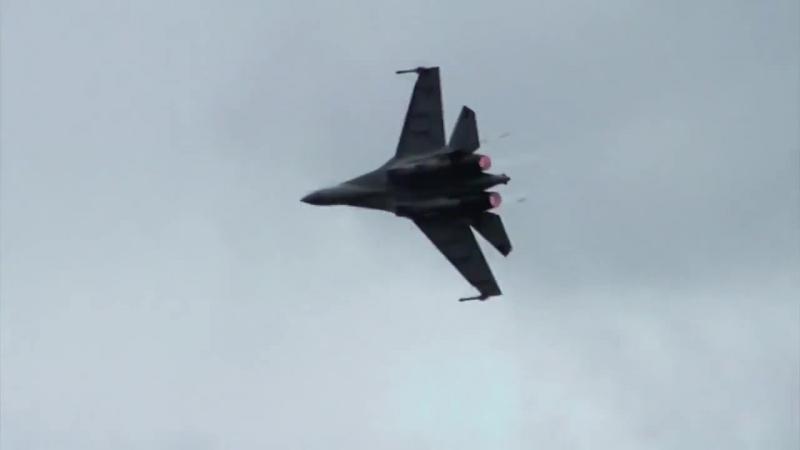 Гость из будущего. Высший пилотаж Су-35С.