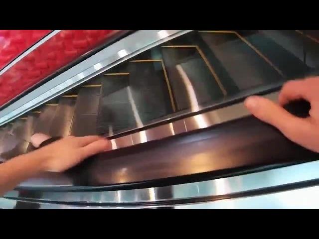 Правильный спуск с эскалатора · coub, коуб