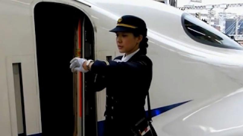 신칸센 여자 기관사 · 승무원 Female crew conductor of the shinkansen