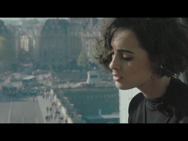 Barbara Pravi - Pas Grandir (Acoustic)