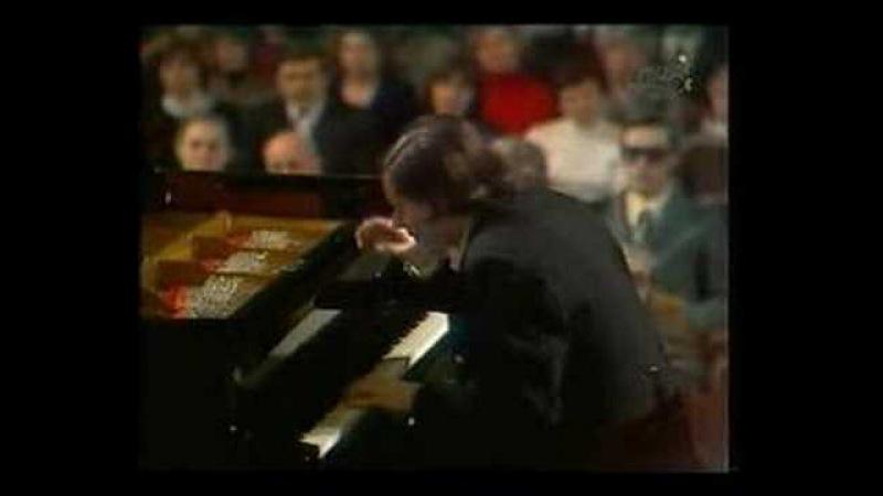 Sokolov plays Rachmaninov - Piano Concerto No. 3 15