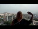 По рекам и каналам. Надежда Балсамо читает стих сына Ивана Калинина в Неаполе с видом на Везувий
