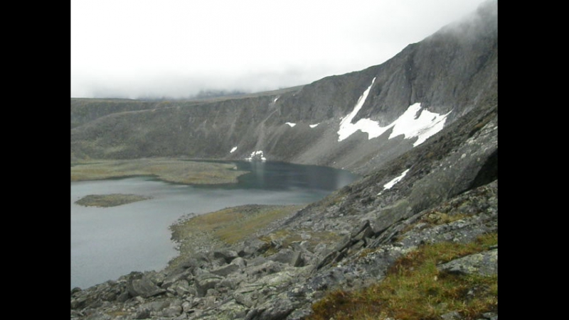 На перевале Кар-Кар, вид на озеро Бублик