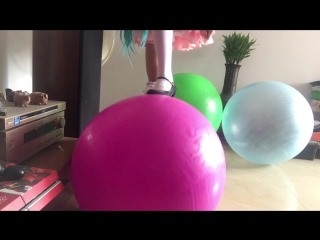 New bouncy ball inflatable and play
