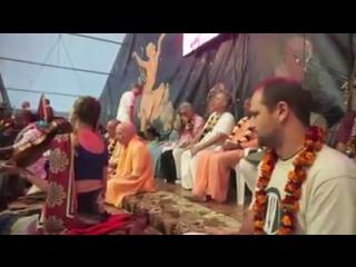 Киртан Мадхавы прабху на Бхакти-Сангаме в Украине