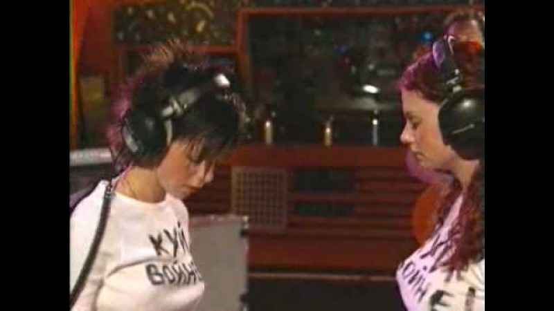 T.A.T.u. - Not Gonna Get Us (Sessions@AOL Performance)