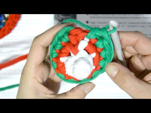 Елка конус подарочная упаковка из трикотажной пряжи