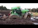 Трактор John Deere 7530 застрял в грязи