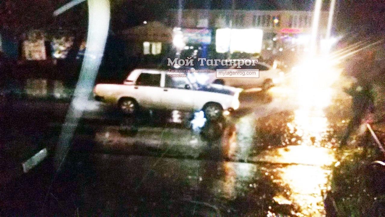 В Таганроге на Поляковском шоссе водитель «ВАЗ-21074» сбил женщину на пешеходном переходе