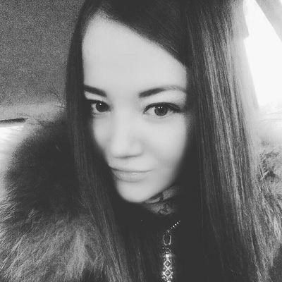 Наташа Логинова