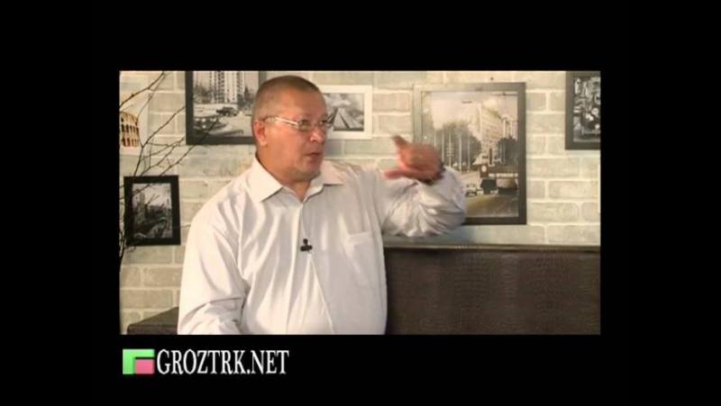 ЧЕЧНЯ. Вечерний чай. Мурад Мусаев -- адвокат, доктор юридических наук.