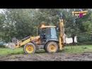 Про трактор в работе. Желтый трактор ровняет землю. Видео для детей Video for kids