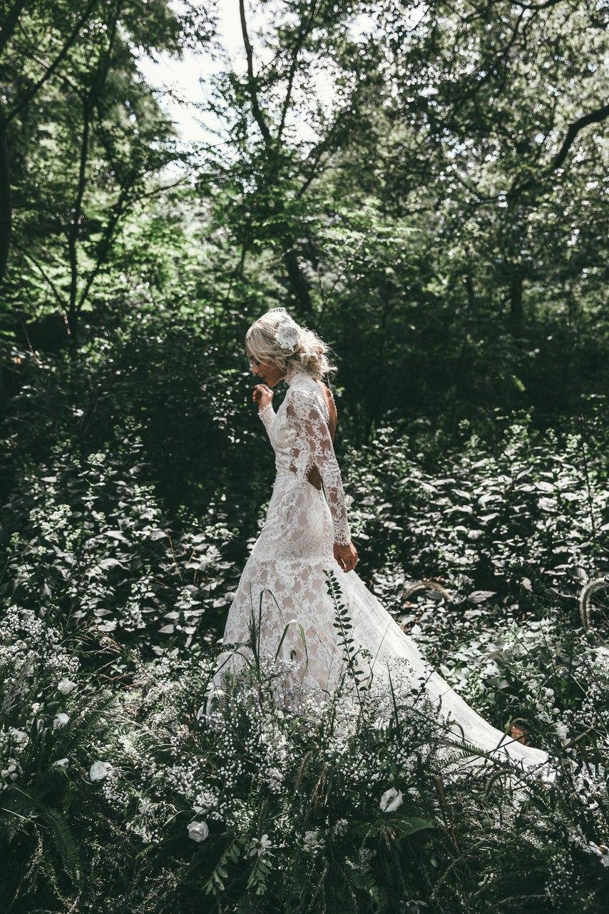 AbhX9Fp1mzk - Оригинальная флористика на свадьбе