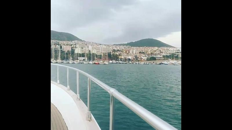 Моя любимая яхта но сегодня погода не очень в море врятли пойдем хотя