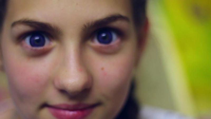 SuperGlazki: В линзах Aurora Violet и без