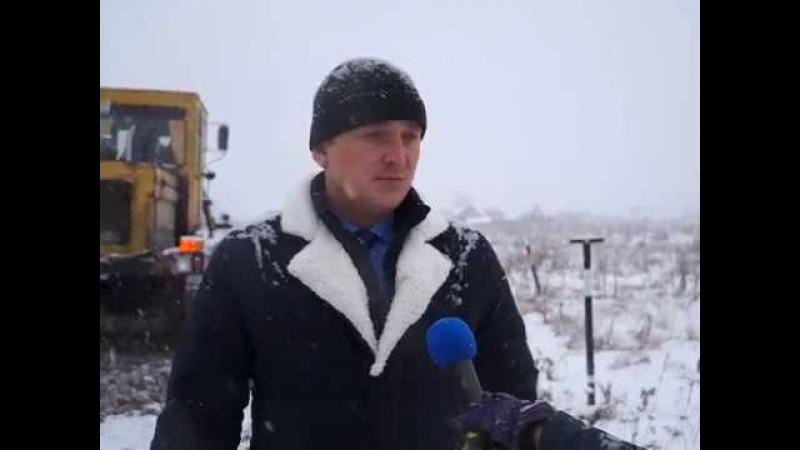 Сэкономили на уборке снега - начали отсыпку проблемных участков дорог