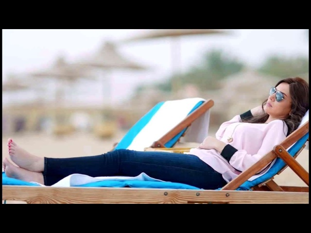 Dina Fouad Sexy Feet اقدام دينا فؤاد الجميلة على الشاطىء