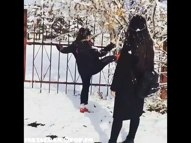 """Иди ко мне 😜🔞 on Instagram: """"Трек хорошо поставлен под видео 😻🔥 Напишите по буквам слово 👇 З И М А зима зима2016 ..."""