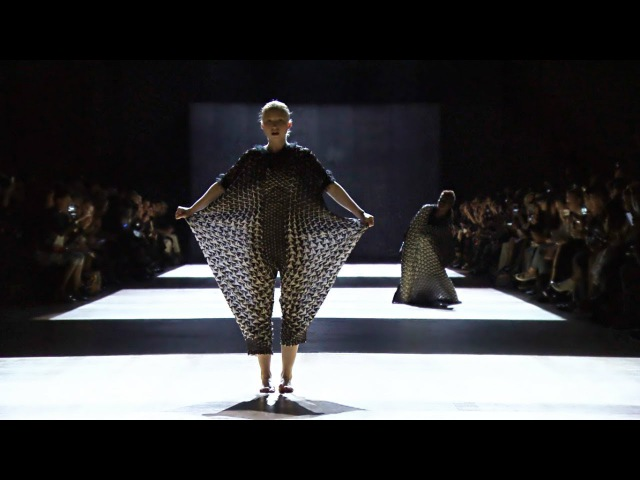 Issey Miyake Spring Summer 2018 Paris Fashion Week