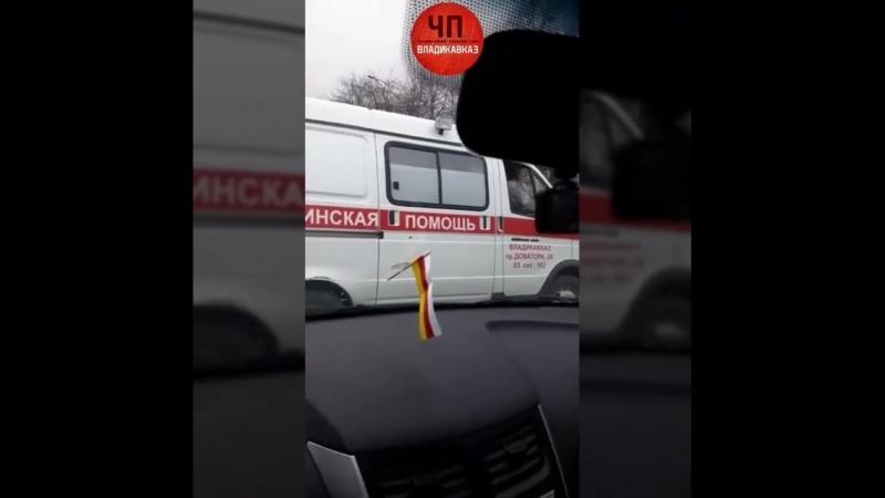 [ChP] Мужчина заблокировал вход в РДКБ