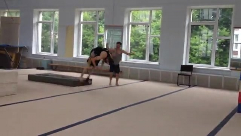Instagram coach_Khrapov Стойкинаруках PartnerStunts handtohand trampoline tambling handstand Индивидуальныетренировки