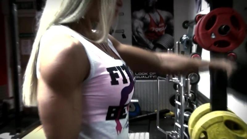 Мотивация для женского бодибилдинга (Zsuzsanna Toldi and Larissa Reis)