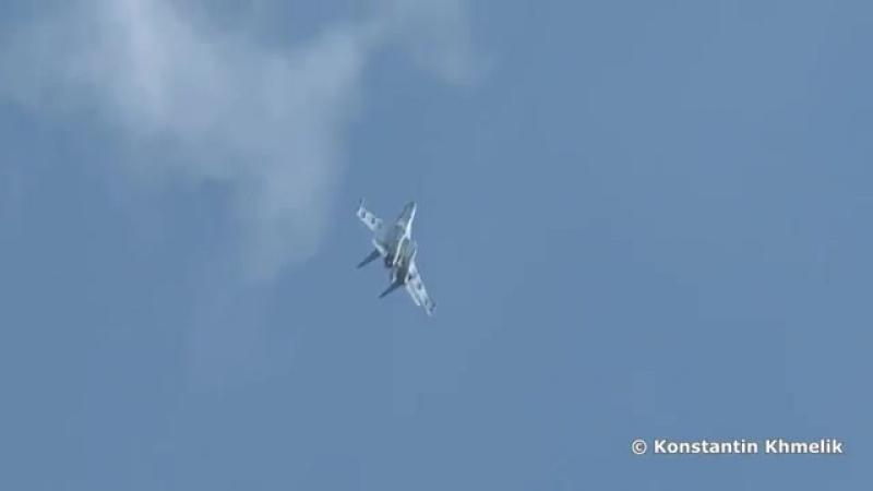 Су 35 высший пилотаж. Russian fighter Su 35