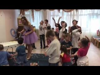 """Шоу Гигантских Мыльных Пузырей в соц.реабилитационном центре для несовершеннолетних детей """"Открытый Дом""""."""