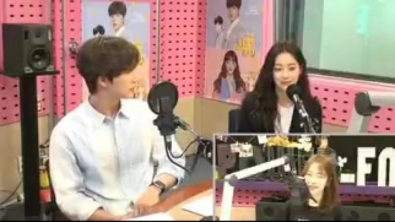 [VIDEO] SBS Power FM Cine Town BTS cut