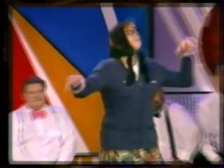 staroetv.su / Анонс программы Кривое зеркало (Первый канал, 01.01.2004)