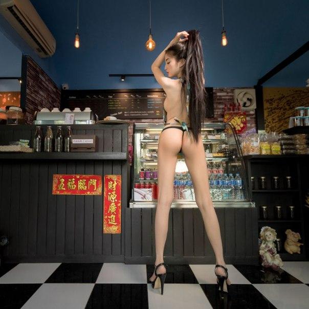 За рекламу кофейни с девушками в трусиках и фартуках ее владельцу светит тюрьма