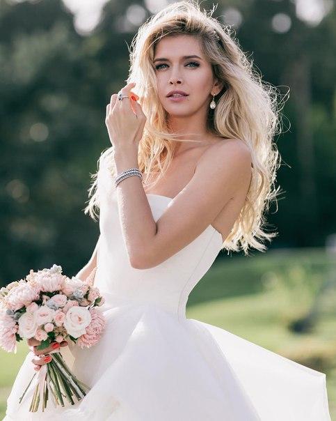 Фанаты восхищены свадебные снимком Веры Брежневой