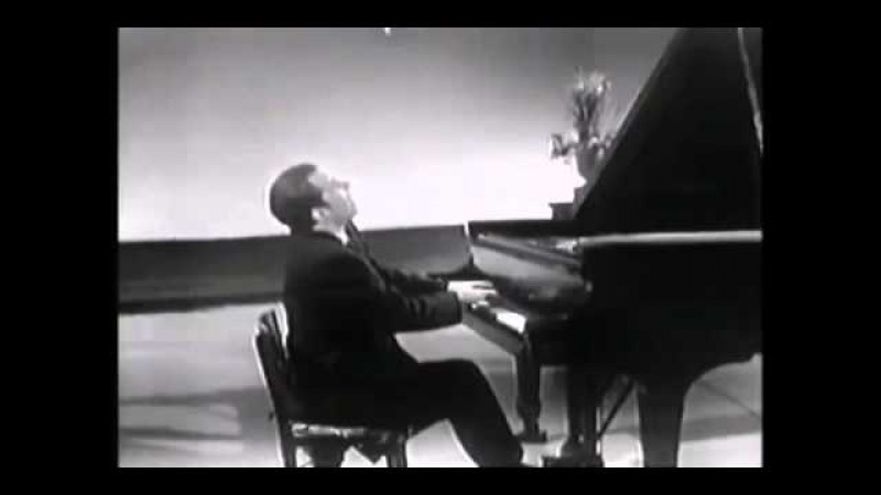 Glenn Gould - Mozart - Piano Sonata No.13 In D Flat Major K.333