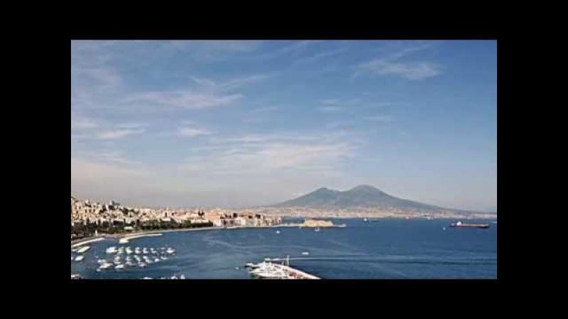 Napoli fuori da ogni classifica da un articolo di Erri De Luca-Voce: Arturo Delogu