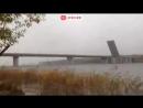 На Неве разводят Ладожский мост чтобы пропустить военный караван