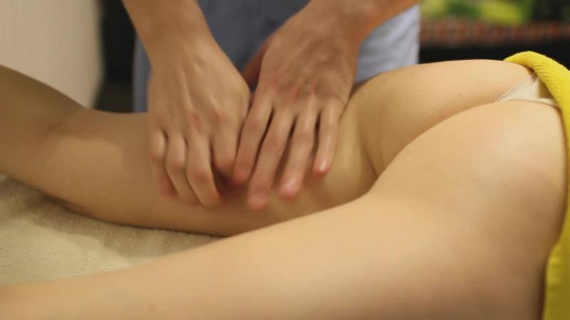 Фрагмент массажа внутренней стороны бедра