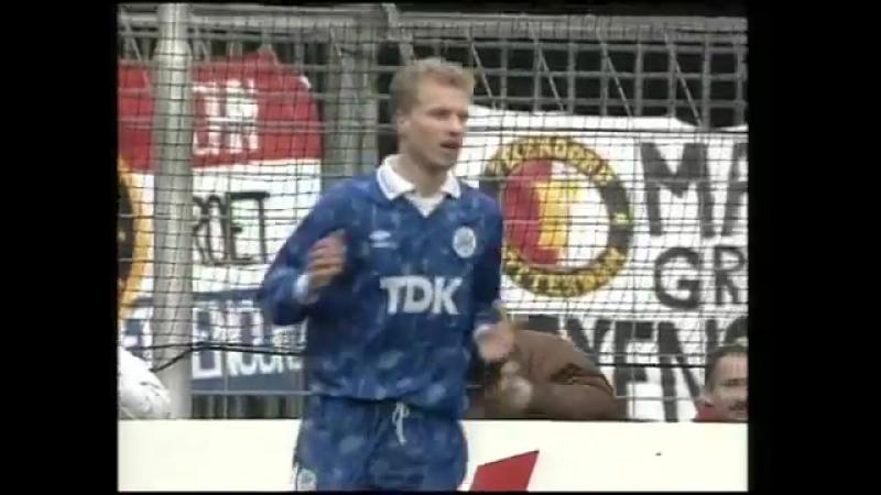 Деннис Бергкамп (Аякс) - мяч в ворота Фейеноорда в сезоне 1990/91