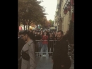 Белла покидает отель «Royal Monceau», Париж (27.09.17)