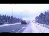 8 декабря на Восточном обходе грузовик протаранил такси, двигающееся задним ходом