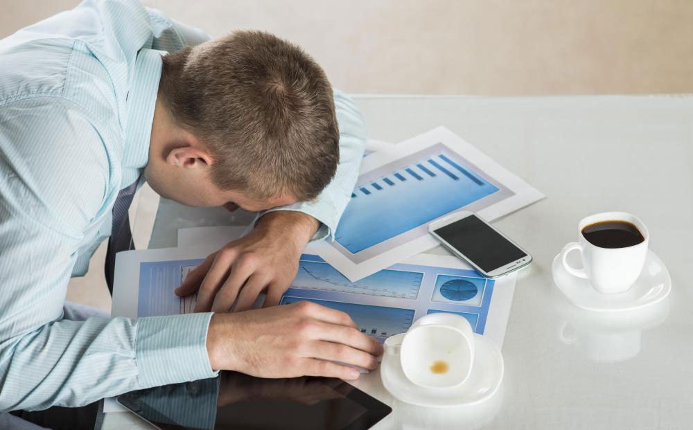 Необработанное апноэ во сне может затруднить концентрацию или даже бодрствовать в течение дня.