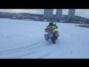 О том как мотоцикл гребет по чистому льду на автомобильных шипах